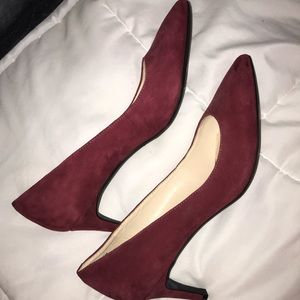 Never worn Nine West burgundy suede heels